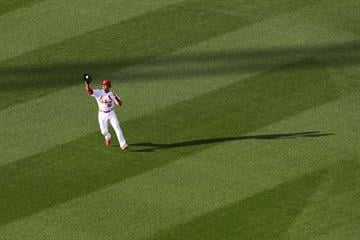 ST. LOUIS, MO - JULY 10: Jon Jay #19 of the St. Louis Cardinals catches a fly ball in the second inning against the Pittsburgh Pirates at Busch Stadium on July 10, 2014 in St. Louis, Missouri.  (Photo by Dilip Vishwanat/Getty Images) By Dilip Vishwanat