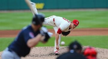 ST. LOUIS, MO - MAY 17: Starter Shelby Miller #40 of the St. Louis Cardinals pitches against the Atlanta Braves at Busch Stadium on May 17, 2014 in St. Louis, Missouri.  (Photo by Dilip Vishwanat/Getty Images) By Dilip Vishwanat