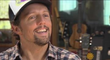 CBS Sunday Morning's Ben Tracy talked to Grammy-winner Jason Mraz about the inspiration behind some of his biggest hits. By Stephanie Baumer