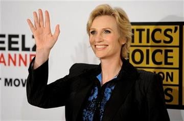 Actress Jane Lynch waves to photographers at the inaugural Critics' Choice Television Awards, Monday, June 20, 2011, in Beverly Hills, Calif. (AP Photo/Chris Pizzello) By Chris Pizzello