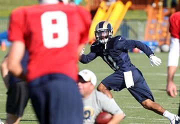 St. Louis Rams Tavon Austin keeps his eye on a ball thrown to him by quarterback Sam Bradford during training camp at the team practice facility in Earth City , Missouri on August 1, 2013.   UPI/Bill Greenblatt By BILL GREENBLATT