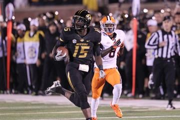Missouri Tigers Dorial Green-Beckham out runs the Syracuse Orangemen defense for a 70-yard touchdown in the first quarter at Faurot Field in Columbia, Missouri on November 17, 2012.    UPI/Bill Greenblatt By BILL GREENBLATT