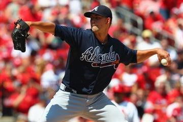 ST. LOUIS, MO - AUGUST 25: Starter Mike Minor #36 of the Atlanta Braves pitches against the St. Louis Cardinals at Busch Stadium on August 25, 2013 in St. Louis, Missouri.  (Photo by Dilip Vishwanat/Getty Images) By Dilip Vishwanat