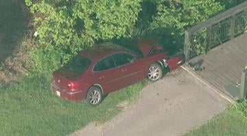Police say a 73-year-old man was driving on Meramec Bottom Rd. just after 7 a.m. when he had the seizure and struck a crossing bridge at Quail Creek Golf Course. By Brendan Marks