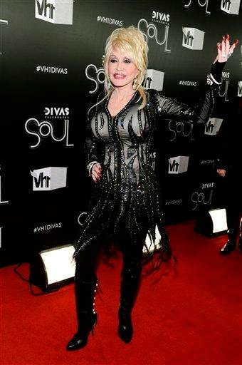 "Singer Dolly Parton arrives at the ""Vh1 Divas Celebrates Soul"" on Sunday, Dec. 18, 2011 in New York. (AP Photo/Charles Sykes) By Charles Sykes"