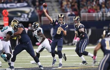 St. Louis Rams quarterback Sam Bradford throws the football in the fourth quarter against the  Jacksonville Jaguars at the Edward Jones Dome in St. Louis on October 6, 2013. St. Louis won the game 34-20.   UPI/Bill Greenblatt By BILL GREENBLATT