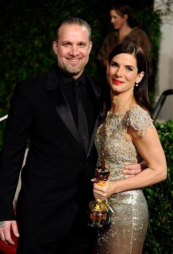 Sandra Bullock and Jesse Jamesarrive at the Vanity Fair Oscar party on Sunday, March 7, 2010, in West Hollywood, Calif. (AP Photo/Peter Kramer) By Peter Kramer