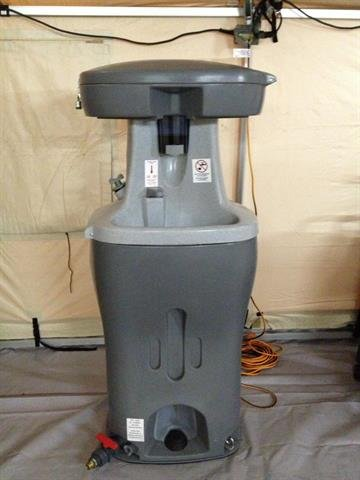 Woman quarantined in NJ hospitalKaci Hickox,a nurse under mandatory quarantine for Ebola monitoring in New Jersey, sent CNN this image of  hand washer By Courtesy Kaci Hickox