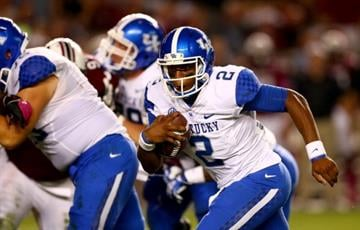 COLUMBIA, SC - OCTOBER 05:  Jalen Whitlow #2 of the Kentucky Wildcats during their game at Williams-Brice Stadium on October 5, 2013 in Columbia, South Carolina.  (Photo by Streeter Lecka/Getty Images) By Streeter Lecka