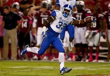 COLUMBIA, SC - OCTOBER 05:  Dyshawn Mobley #33 of the Kentucky Wildcats during their game at Williams-Brice Stadium on October 5, 2013 in Columbia, South Carolina.  (Photo by Streeter Lecka/Getty Images) By Streeter Lecka