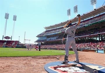 CINCINNATI, OH - SEPTEMBER 25:  Ryan Braun #8 of the Milwaukee Brewers waits to bat during the game against the Cincinnati Reds at Great American Ball Park on September 25, 2014 in Cincinnati, Ohio.  (Photo by Andy Lyons/Getty Images) By Andy Lyons