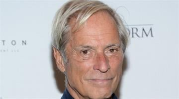 "NEW YORK, NY - SEPTEMBER 04:  Bob Simon attends ""The Eye Of The Storm"" New York Premiere at MOMA on September 4, 2012 in New York City.  (Photo by Jason Kempin/Getty Images) By Jason Kempin"