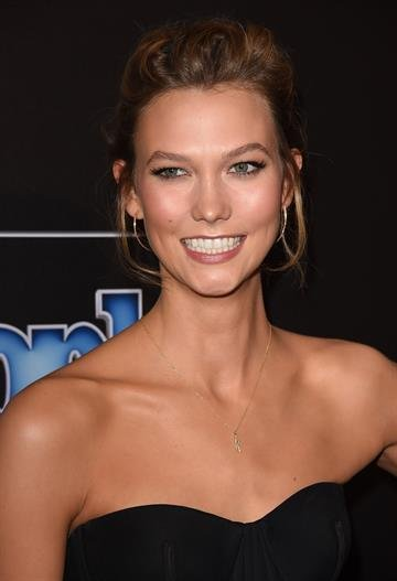 BEVERLY HILLS, CA - DECEMBER 18:  Model Karlie Kloss attends the PEOPLE Magazine Awards at The Beverly Hilton Hotel on December 18, 2014 in Beverly Hills, California.  (Photo by Jason Merritt/Getty Images) By Jason Merritt