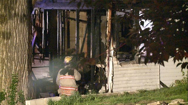 Fire investigators are working to determine the cause of 2 overnight fires in Alton