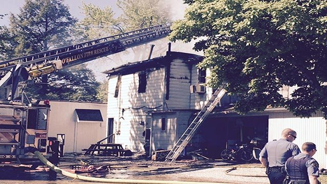 Multiple units located in a building in the 300 block of East 3rd Street caught fire before 9:30 a.m.