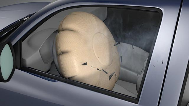 (Credit: IIHS) This graphic from the Insurance Institute for Highway Safety shows an airbag expanding, shooting shrapnel toward the driver.
