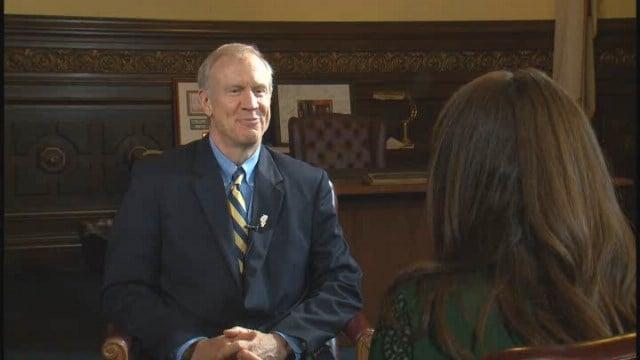 Gov. Rauner speaking to News 4's Emily Rau (Credit: KMOV)