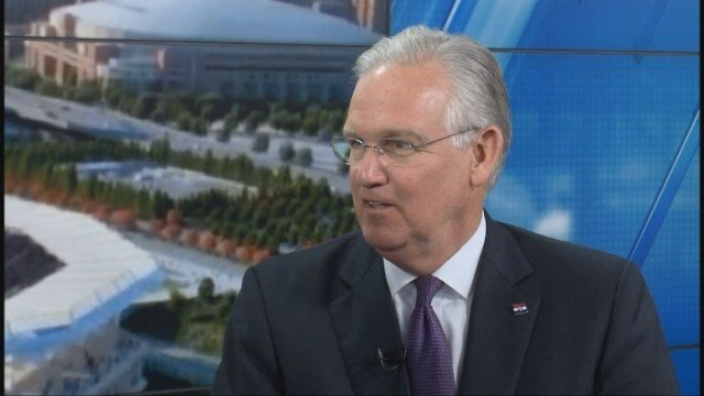 Missouri Governor Jay Nixon speaks to Steve Savard about the new stadium and the future of football in St. Louis.