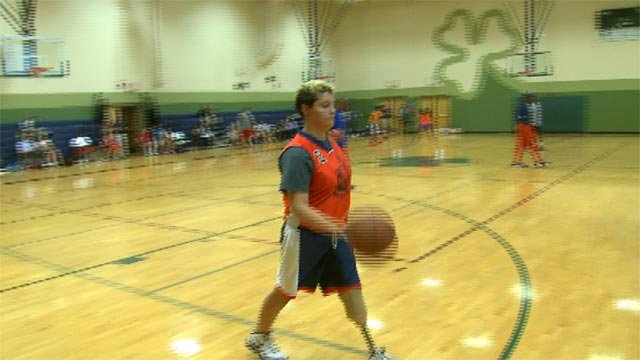 Emily Linneman lost her left leg during a battle with a cancer.