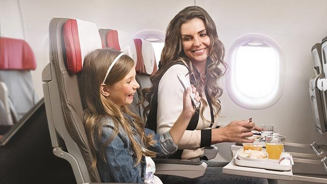 Some airlines are working to make in-flight meals more enjoyable for both children and adults. (Credit: LATAM Airlines)