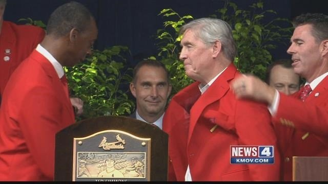Former Cardinal Ted Simmons rounded up the 2015 inductees at the ceremony Saturday.