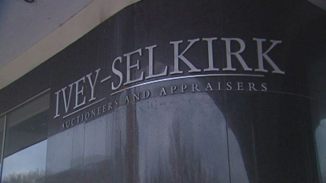 The former owner ofIvey-Selkirk Auctions and Appraisalspleaded guilty to felony theft charges and was ordered to pay more than $1 million in restitutionto customers.