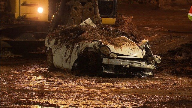 Eight people died and five others are missing after a flash flood washed away vehicles at the Utah/Arizona border, the Hildale, Utah, fire department said. All the victims are mothers and small children, Assistant Fire Chief Kevin Barlow said.