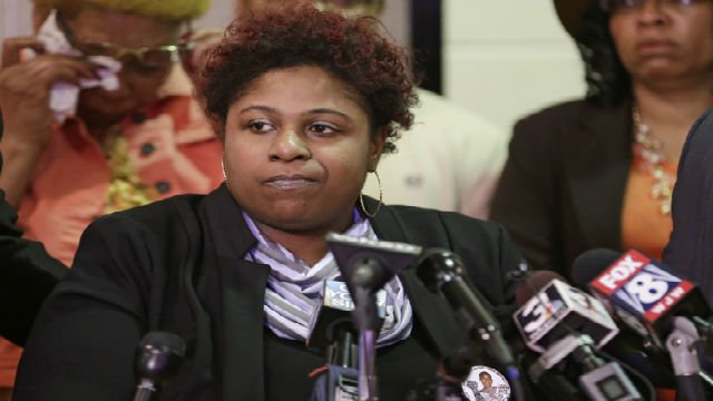 Samaria Rice, the mother of Tamir, a 12-year-old boy fatally shot by a Cleveland police officer, speaks during a news conference Tuesday, March 3, 2015, in Cleveland. (AP Photo/Tony Dejak)
