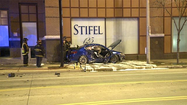 The crash occurred around 11:30 p.m. Wednesday at the intersection of North Broadway and Washington, forcing the roadway closed forhours.