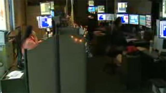 A 911 call center (Credit: KMOV)