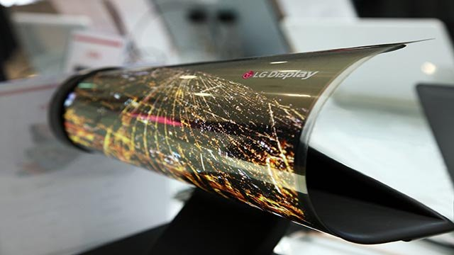 You can roll up this new LG TV like a newspaper. (Credit: LG)