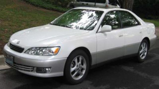 A vehicle similar to this one is being sought by the St. Louis Police Department in connection a homicide investigation.  (Credit: St. Louis Police Department)
