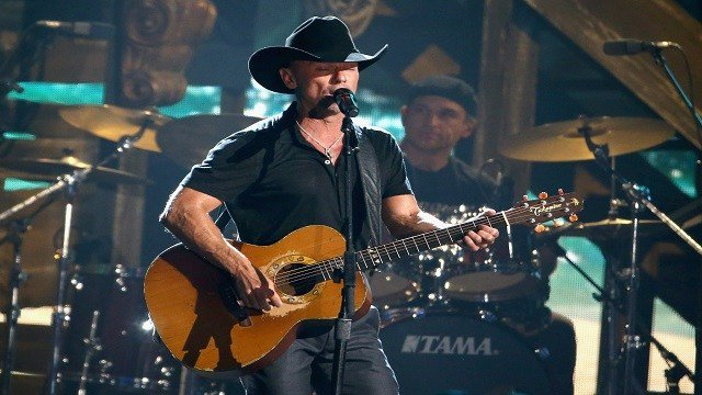 Kenny Chesney will play at the Hollywood Casino Amphitheater on July 14. (Getty Images)