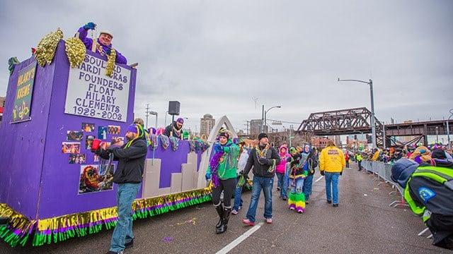 Spectators enjoy the 2015 Mardi Gras Parade. (Credit: Zach Dalin/KMOV)