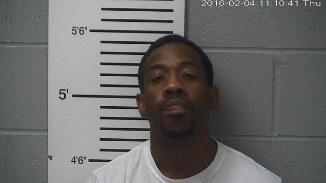 Craig Romond Dixon was arrested on multiple charges. (Credit: Troy Police Department)