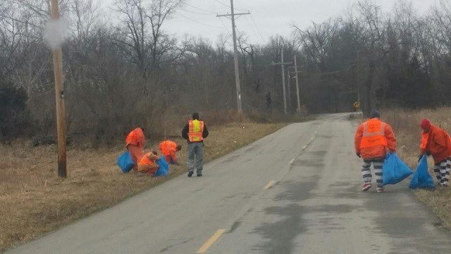 Inmates picked up trash along Adelhardt Road on Thursday. (Credit: Lincoln County Sheriff's Office)