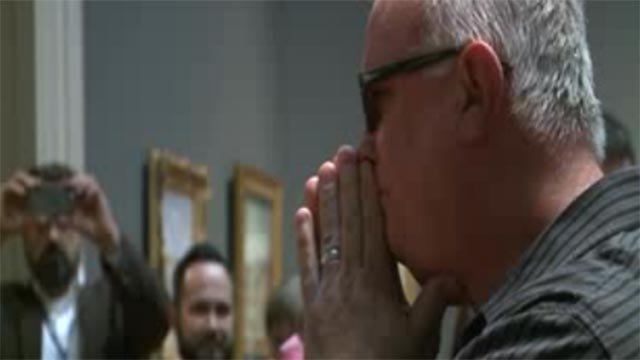 St. Louis artist Ray Harvey received glasses that allow him to see color (Credit: KMOV)
