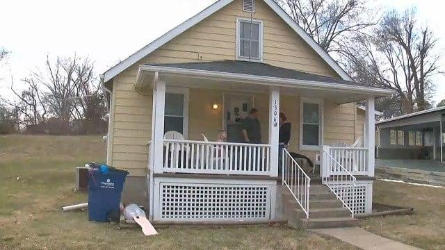 Festus home invaded by 2 men with children inside (Credit: KMOV)