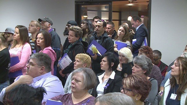 Standing room only for lobbyists trying to raise awareness about heroin addiction at the Missouri State Capitol (Credit: KMOV)