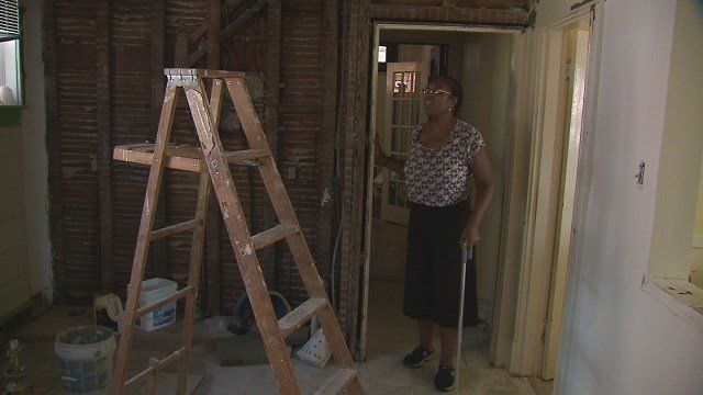 Valerie Mims-Shaw left with an unfinished kitchen after paying contractor, Lester Greenleaf $30,000 (Credit: KMOV)