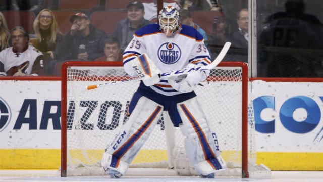 Edmonton Oilers' Anders Nilsson waits for the action to come his way during the first period of an NHL hockey game against the Arizona Coyotes Tuesday, Jan. 12, 2016, in Glendale, Ariz. The Coyotes defeated the Oilers 4-3 in overtime. (AP Photo)
