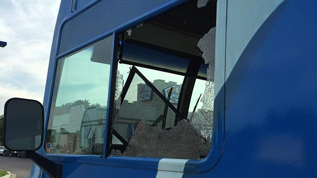 Campaign bus damaged in north st louis kxxv tv news for Window world waco