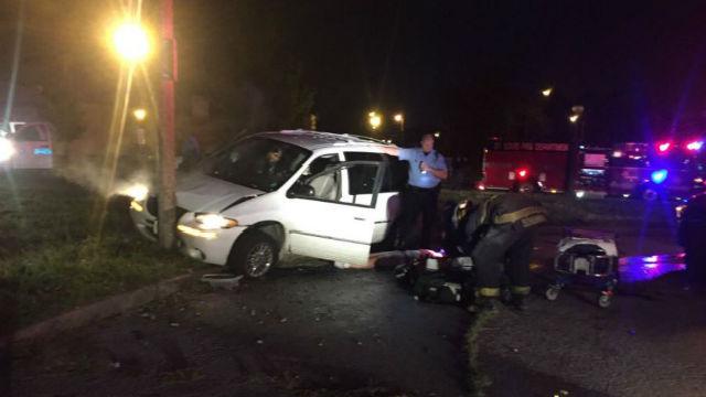 mini van crashes into pole after driver passenger overdose kfve k5 hawaii news now local. Black Bedroom Furniture Sets. Home Design Ideas