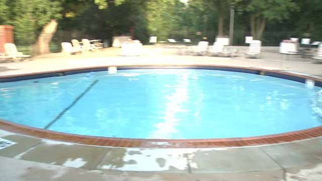 Bystander saves child from drowning in pool for Pool show florence sc