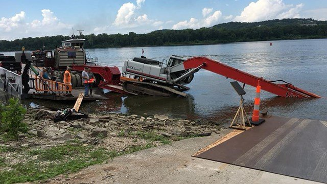 Grafton Ferry was stranded on Missouri side of Mississippi River after a piece of equipment fell off (Credit: News 4 Viewer Kathie McCloskey)